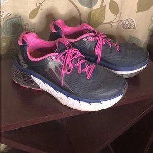 10W Hoka Walking Shoes